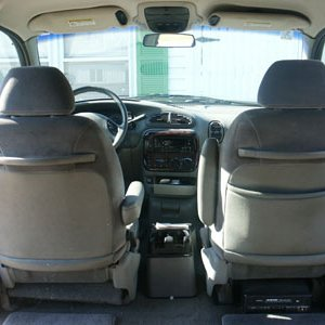 1998 Chrysler T&C LX LWB Interior View Front Seats and Consoles